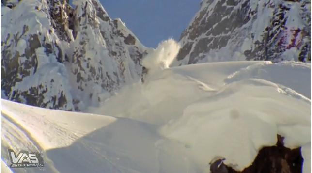 Finalmente as primeiras imagens de NowHere, o novo vídeo de snowboard da produtora Absinte Filmes. Conhecida por ser uma produtora de conteúdos ricos em ações espetaculares, realizadas pelos melhores riders em neve totalmente virgem de...