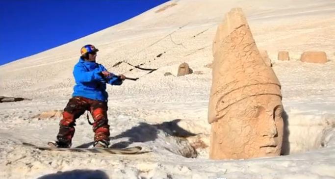 Ainda na Turquia, ainda com Chasta e Pascal, ainda snowkite. Junto com as infos do Turkey Snowkite Festival 2011 apareceu um link sobre um backcountry realmente irado, que os dois PRO fizeram em abril do...