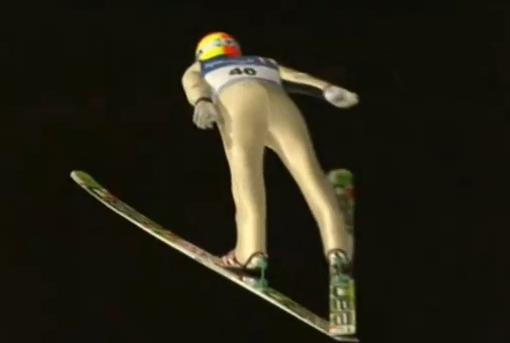 O norueguense Johan Remen Evensen vôou por 246,5m, o equivalente a dois campos de futebol e meio, estabelecendo o novo recorde mundial na disciplina de Salto de Esqui. Isso aconteceu em fevereiro 2011, durante os...