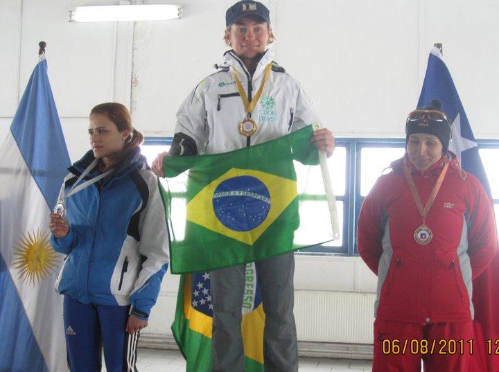Uma grandiosa notícia que orgulha os esforços da equipe dos atletas do circo branco nacional. A porta voz da Confederação Brasileira de Desportos na Neve (CBDN), Michele Barcena, acaba de divulgar por email este ótimo...