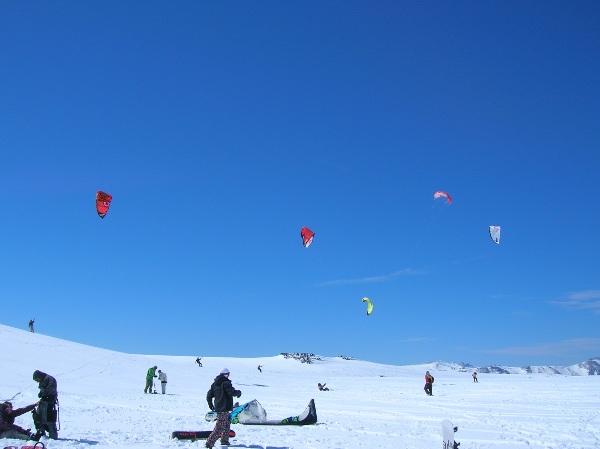 Snowkite CAMP+JAM 2011 – Dia 27/09/2011 – Caviahue (ARG) Enfim iniciou a terceira edição do Snowkite CAMP+JAM em Caviahue (ARG), conhecido também como o encontro latino americano de snowkite e organizado magnificamente pela Associação Argentina...