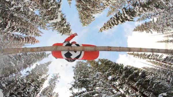 Se chama Skrill Clinton e é um belo vídeo de puro snowskate que ressalta a rápida evolução técnica que este jovem esporte está atravessando. Patrocinado e produzido pela Ambition Snowskates, famosa marca norte americana produtora...