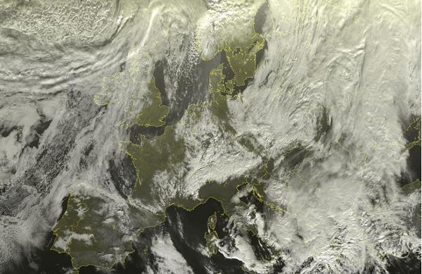 Vista satelitar das tormentas de neve nos Alpes europeus – Data 06-01-2012 Após um início de temporada com temperaturas quentes e uma forte carência de neve, os Alpes europeus estão agora enfrentando uma grande série...