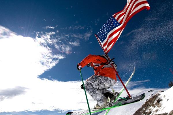 Cortesia: Squaw Valley (EUA) – Foto: Hank de Vre Boa notícias para quem está embarcando agora para os Estados Unidos rumo a neve: o fim de semana passado foi o mais nevoso até agora desta...