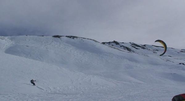 O snowkiter italiano Simone Borgi apresenta Again, o vídeo resume desta temporada invernal 2012 de snowkite em companhia dos amigos e ícones do snowkite mundial como Martin Sammet, Wareck Arnaud, Stefano Gigli e o grande...