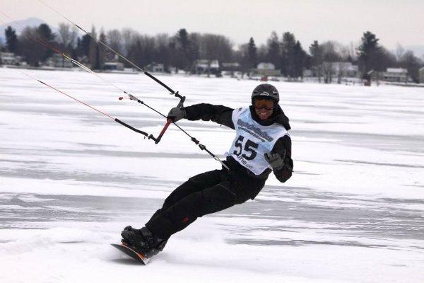 Cortesia: William Acosta – Snowkiter: William Acosta William Acosta foi um dos pioneiros do kitesurf. Nascido em Cuba, cedo mudou-se para o Canadá onde atualmente continua morando e onde por questões climáticas teve que se...
