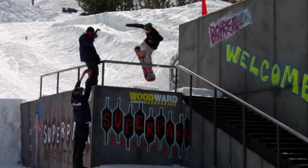 Frame min. 2:29 – Rider: Jaeger Bailey – Será que foi intencional ou não? Está rolando nestes dias, em Mt. Bachelor (EUA), a décima sexta edição do Superpark, um evento de snowboard organizado pela prestigiosa...