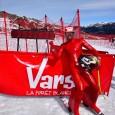 Nestes primeiros dias de Abril 2015, na estação de esqui de Vars (FRA), rolaram as provas válidas para decretar os novos limites máximos de velocidade que podem ser alcançados com esqui, com o snowboard e...